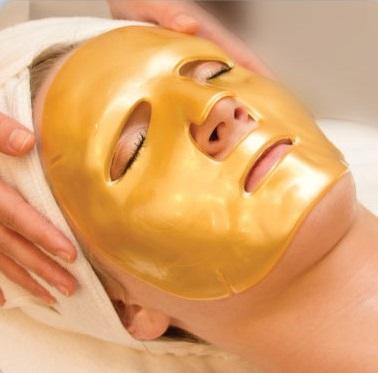 Kolagenowa maska poprawia ogólną kondycję skóry i ma właściwości rozświetlające
