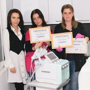 Przeszkolenie z profesjonalnych urządzeń do salonów kosmetycznych są przeprowadzane za darmo na terenie Polski