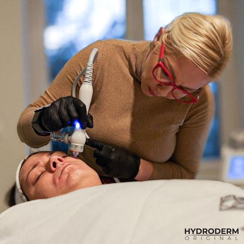 Zabieg wodorowy przyśpiesza leczenie wielu problemów skórnych i przedłuża żywotność komórek