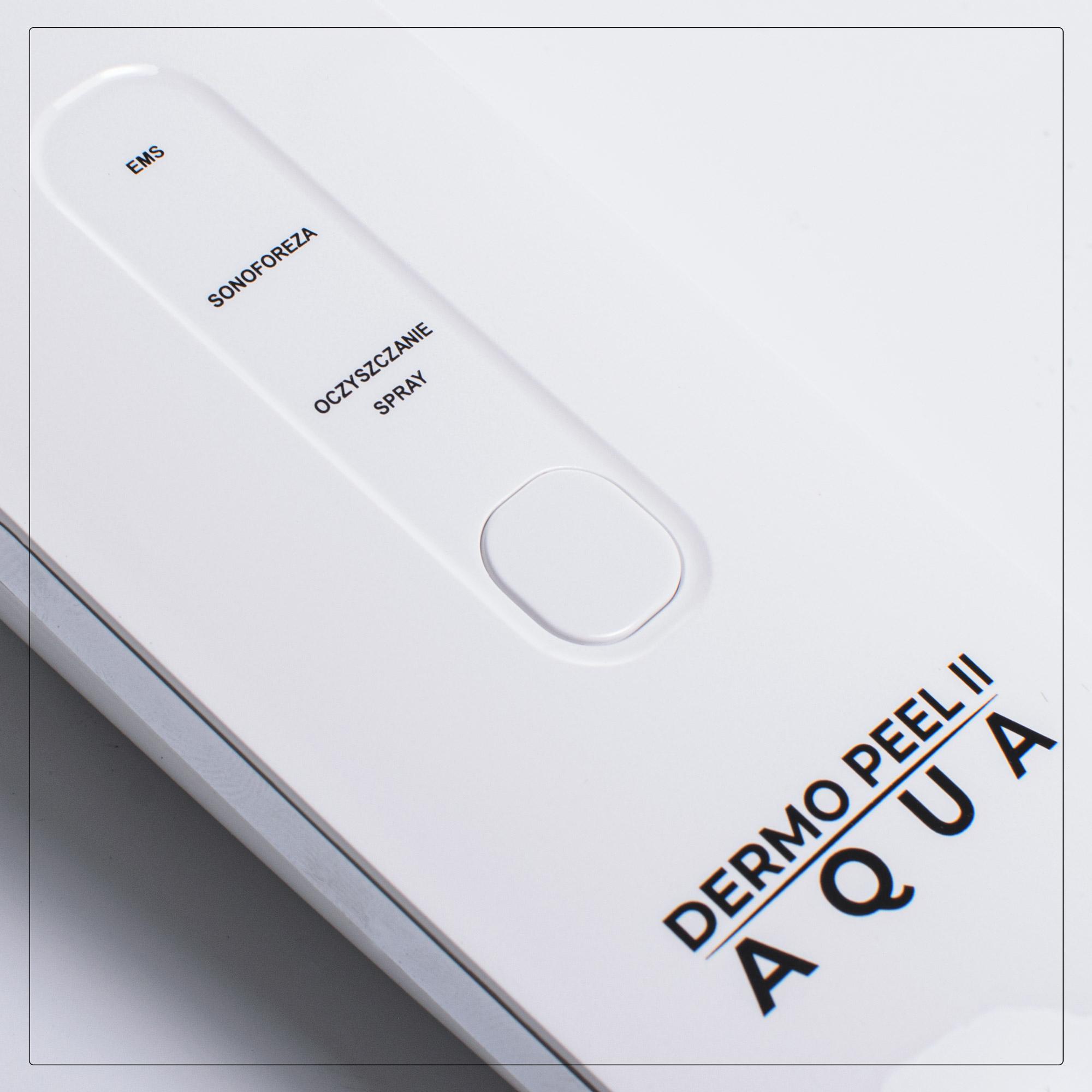 Aparat kosmetologiczny z wbudowanym nawilżaczem, który zapewnia wysoką skuteczność zabiegu oczyszczającego