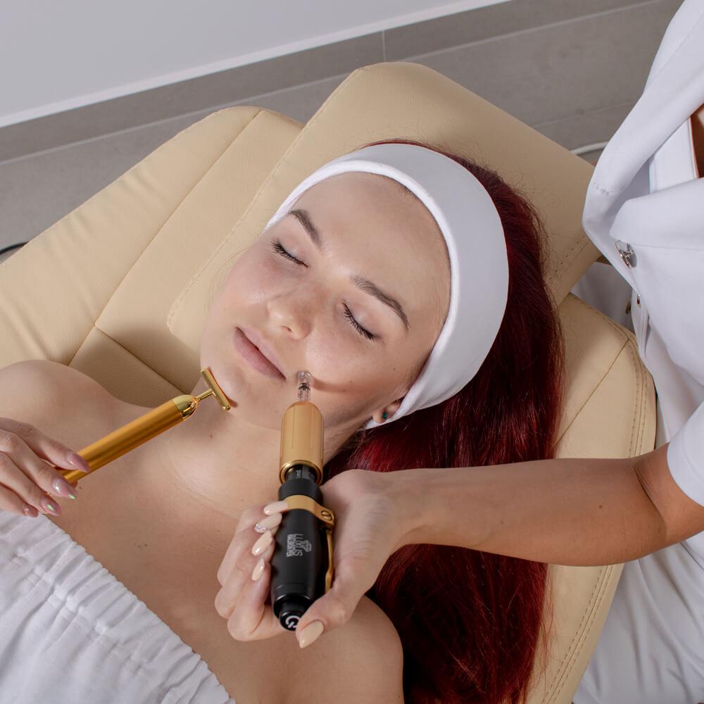 Najnowszy model masażera znieczulającego Golden Touch idealny przed wykonaniem zabiegu mezoterapii