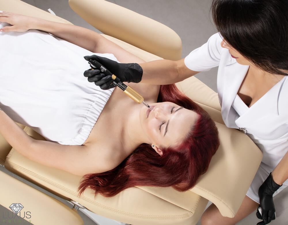 Urządzenie kosmetologiczne do skutecznego wypełniania zmarszczek