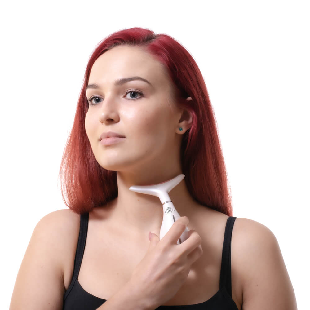 Masażer szyi usuwa zmarszczki i zapobiega ich powstawaniu