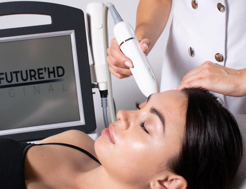 Urządzenie nie doprowadza do poparzeń, ani nie powoduje przerwania ciągłości skóry
