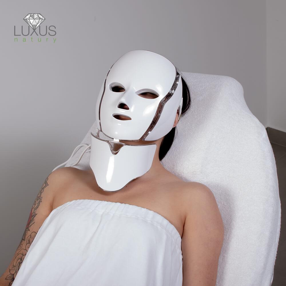 Bezpieczna elektostymulacja skóry twarzy i szyi