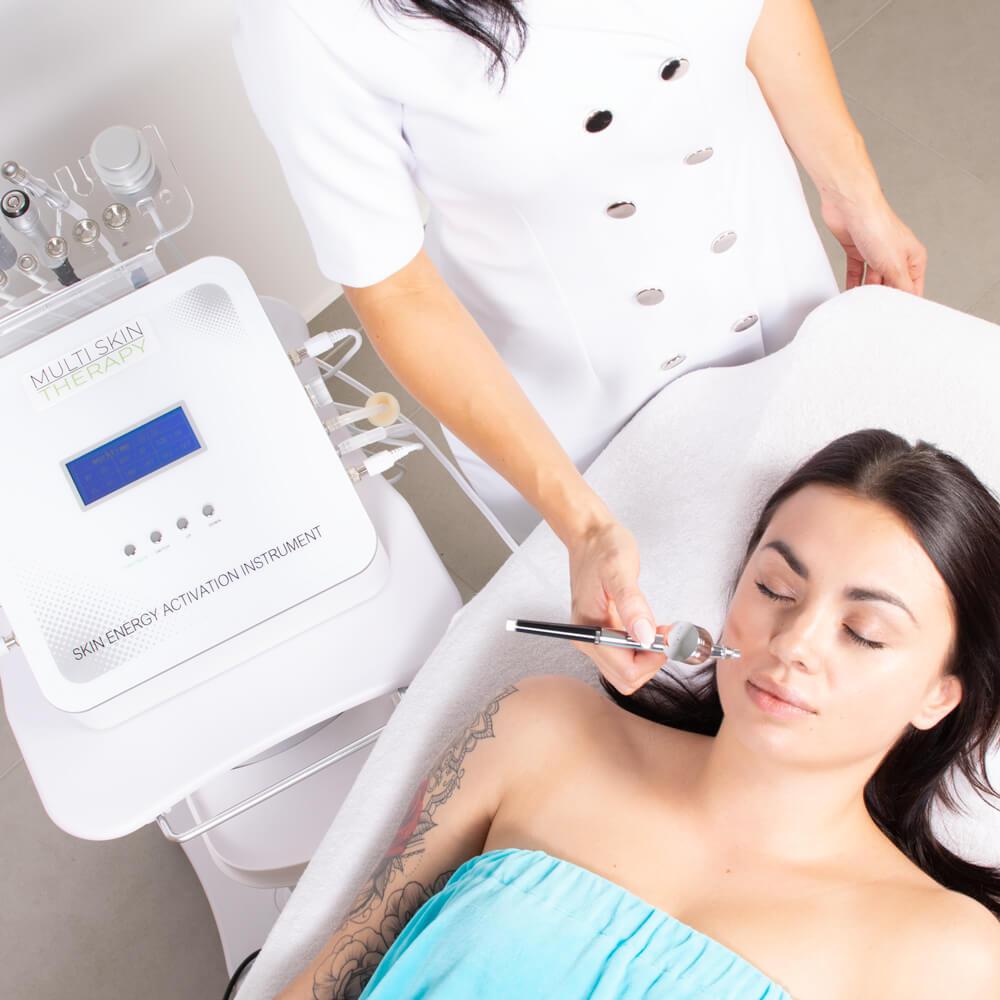 Po pierwszym zabiegu Multi Skin Therapy skóra odzyskuje świeżość i promienność