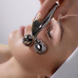 Domowe urządzenie kosmetyczne zwiększa skuteczność działania stosowanych preparatów kosmetycznych