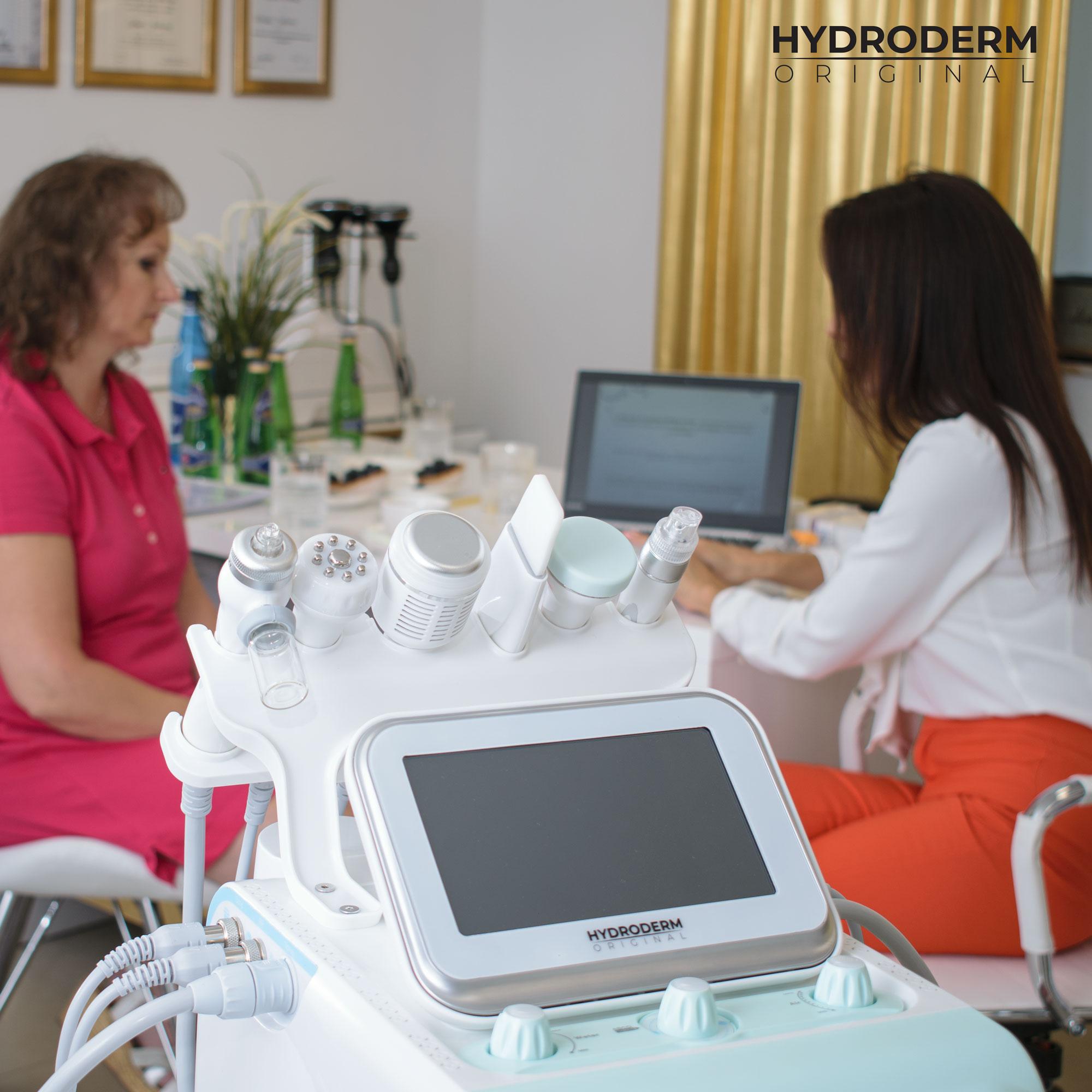 Oczyszczanie aktywnym wodorem wymaga posiadania określonej wiedzy teorytycznej, którą przedstawia nasz utalentowany kosmetolog
