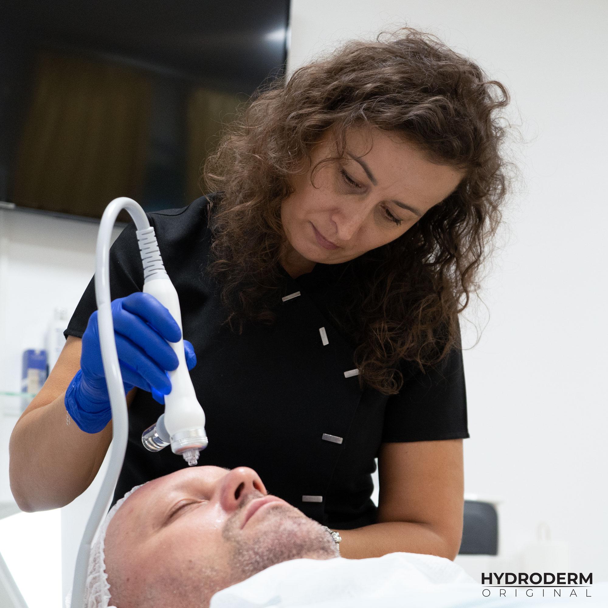 Oczyszczanie wodorem efektywnie zastępuje inwazyjny zabieg mikrodermabrazji dla twarzy