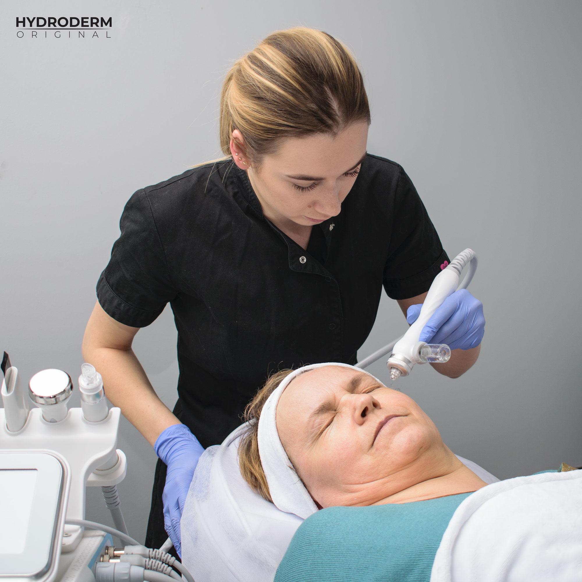 Główny cel głowicy Oxygen Spray to wprowadzenie substancji aktywnych do głębokich warstw skóry właściwej