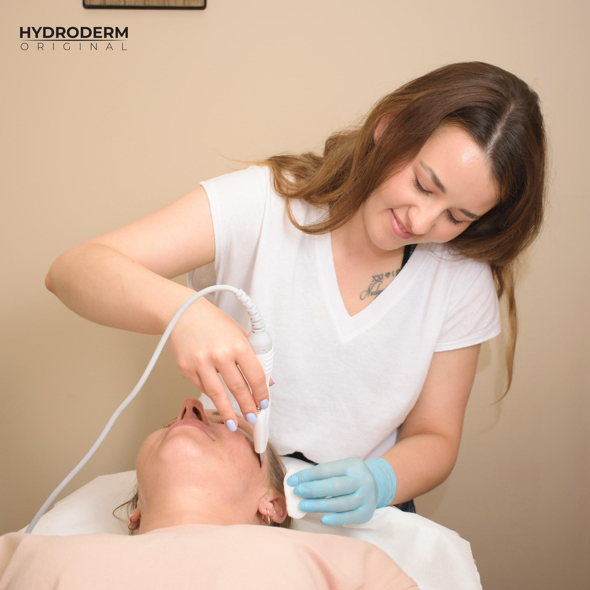 Kombajn do terapii aktywnym wodorem pomaga usunąć problemy skórne, takie jak tądzik i przebarwienia