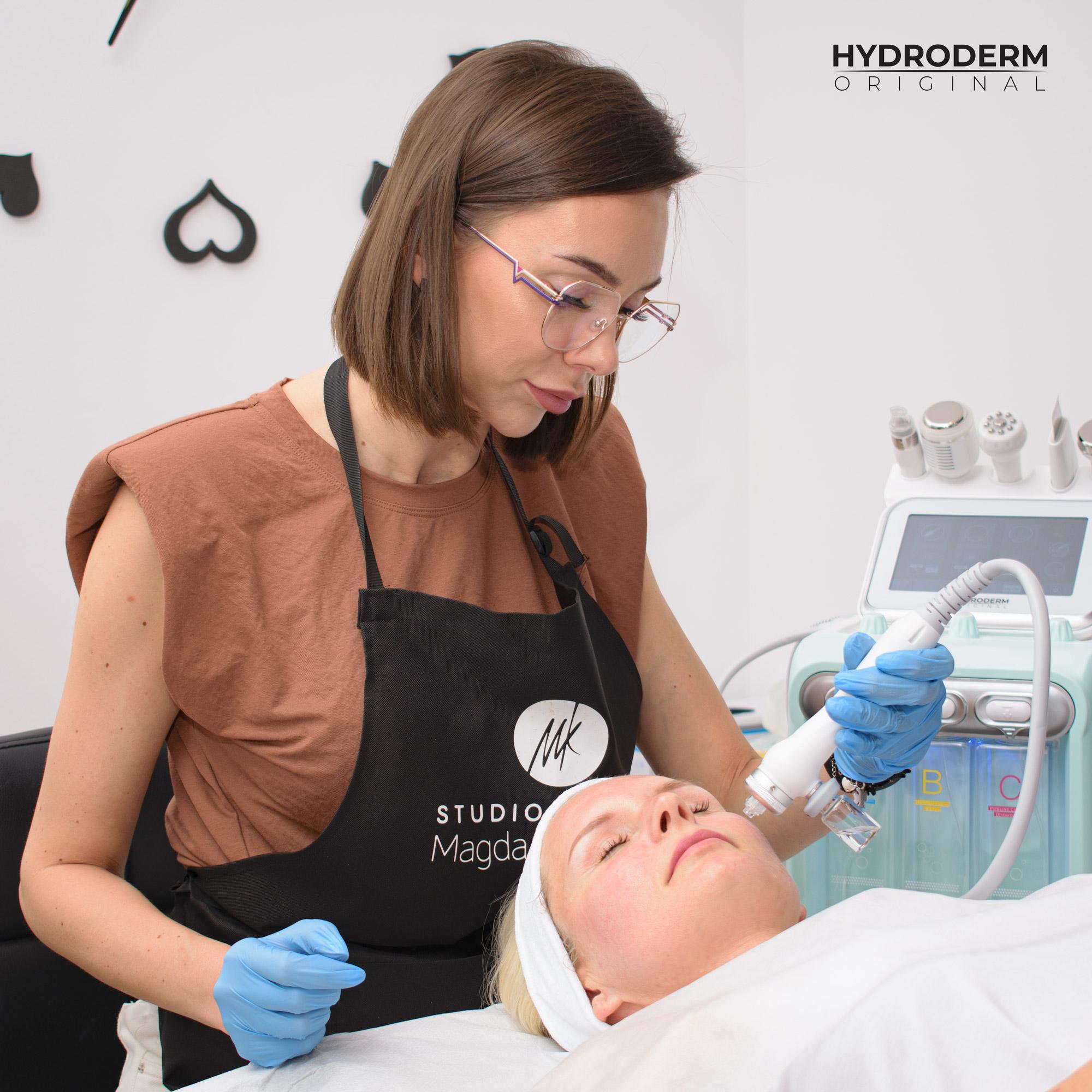 Jak wygląda 3 etap procedury zabiegowej Hydroderm Original 9w1 - infuzja tlenowa?
