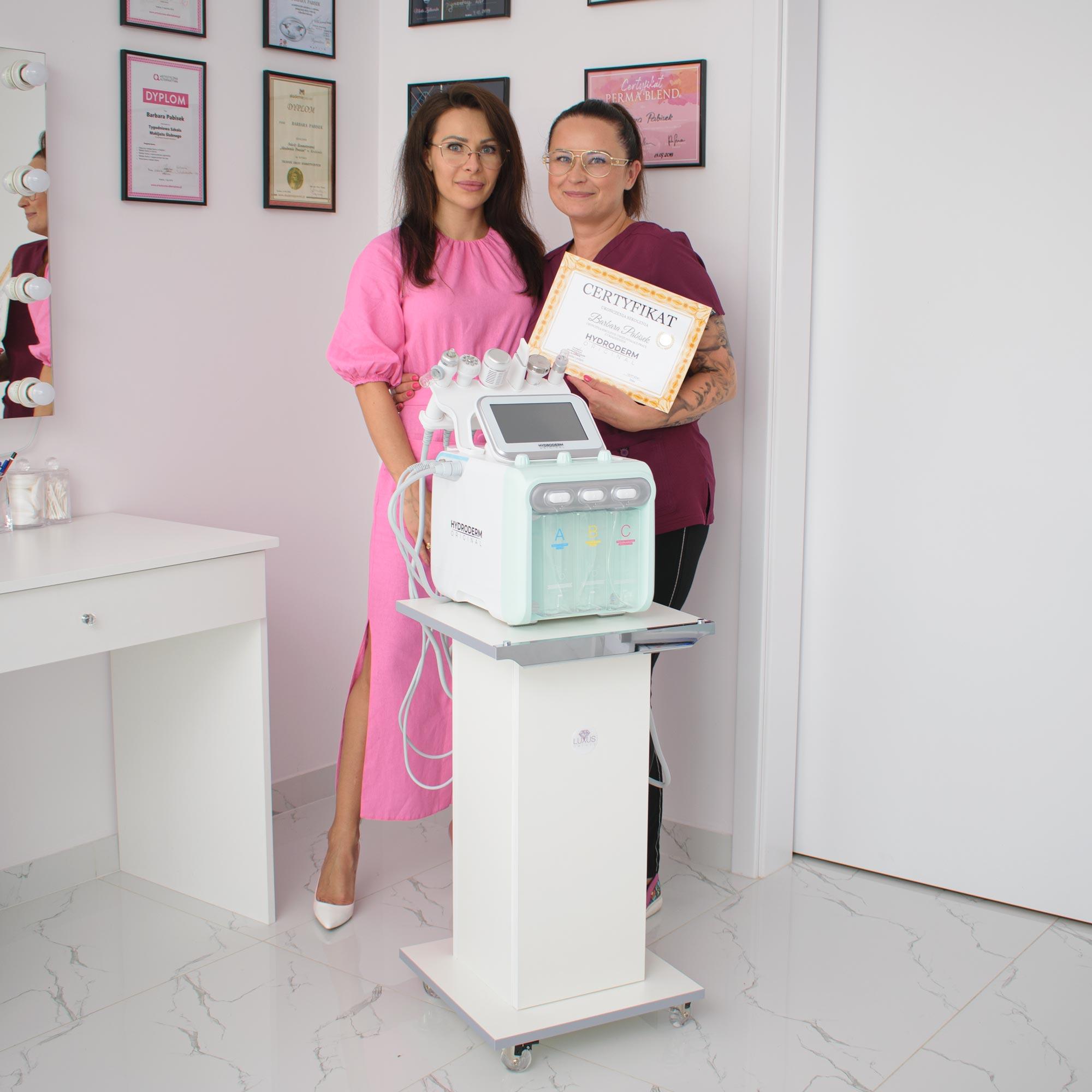 Na zakończenie kursu kosmetologicznego każdemu uczestnikowi wręczamy imienny certyfikat oryginalności kombajnu Hydroderm