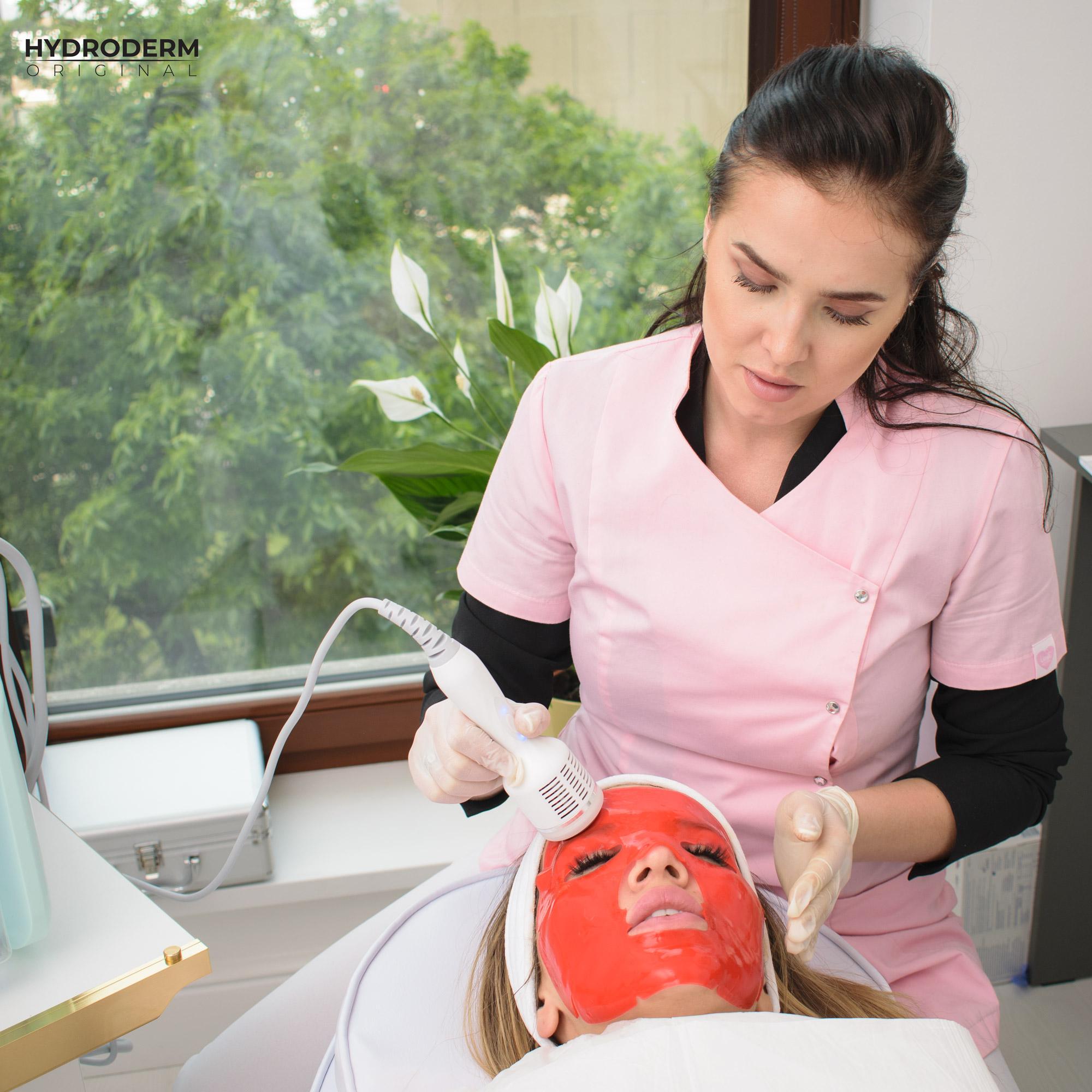 Krioterapia to jeden z ostatnich etapów oczyszczania wodorem skóry na twarzy
