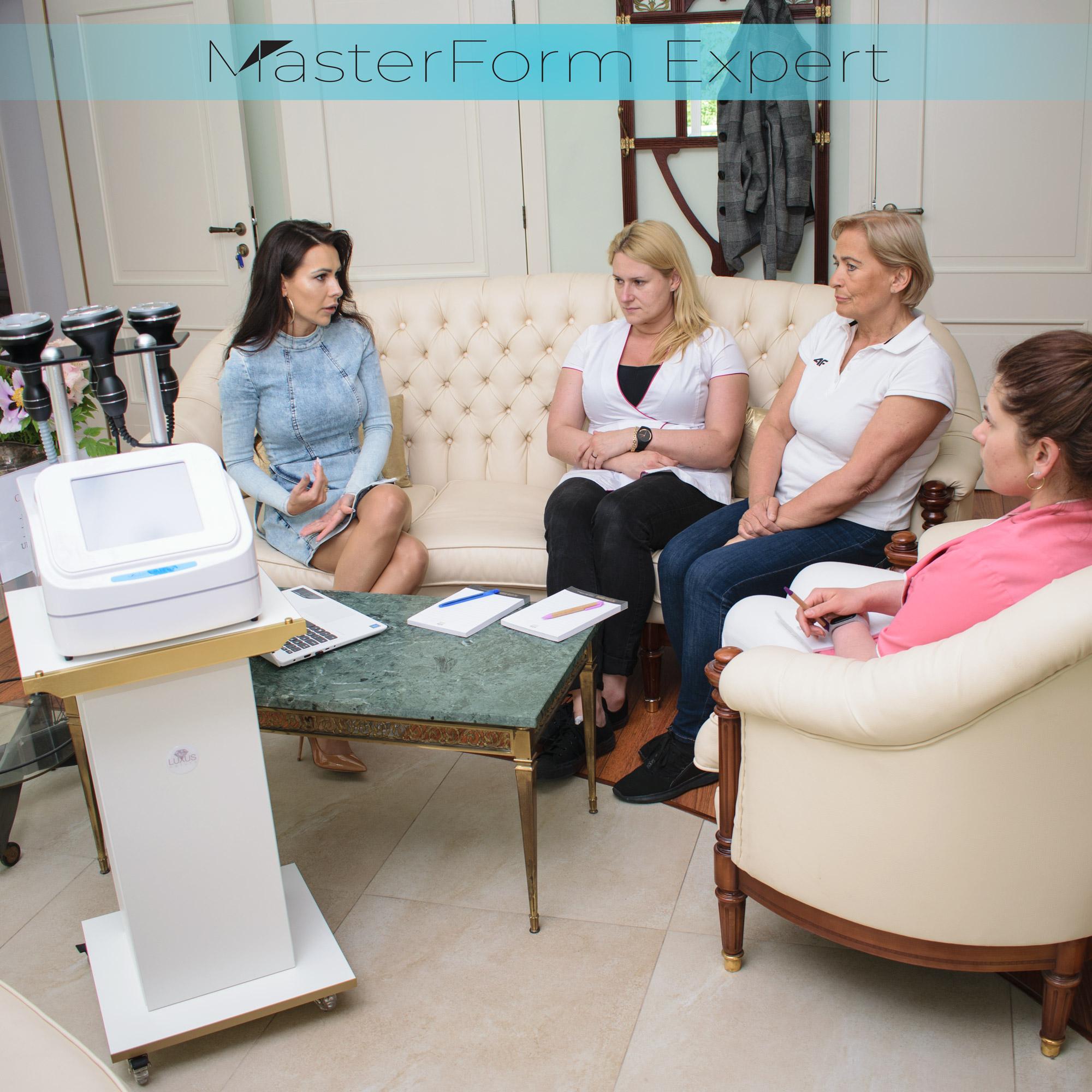 Na początku szkolenia grupa dowiaduje się czym jest endomasaż