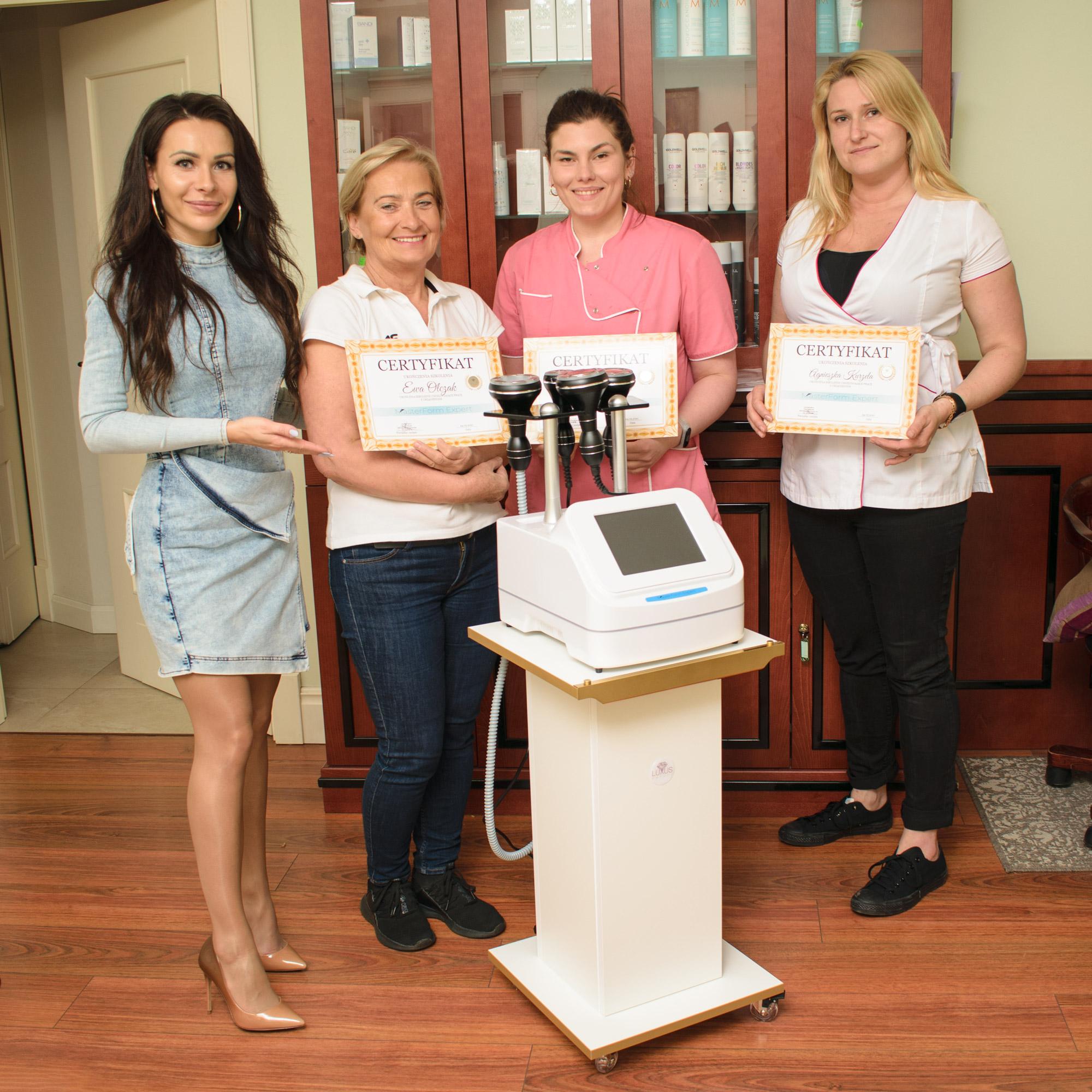 Po kursie każda uczestniczka otrzymała własny imienny certyfikat urządzenia MasterForm Expert