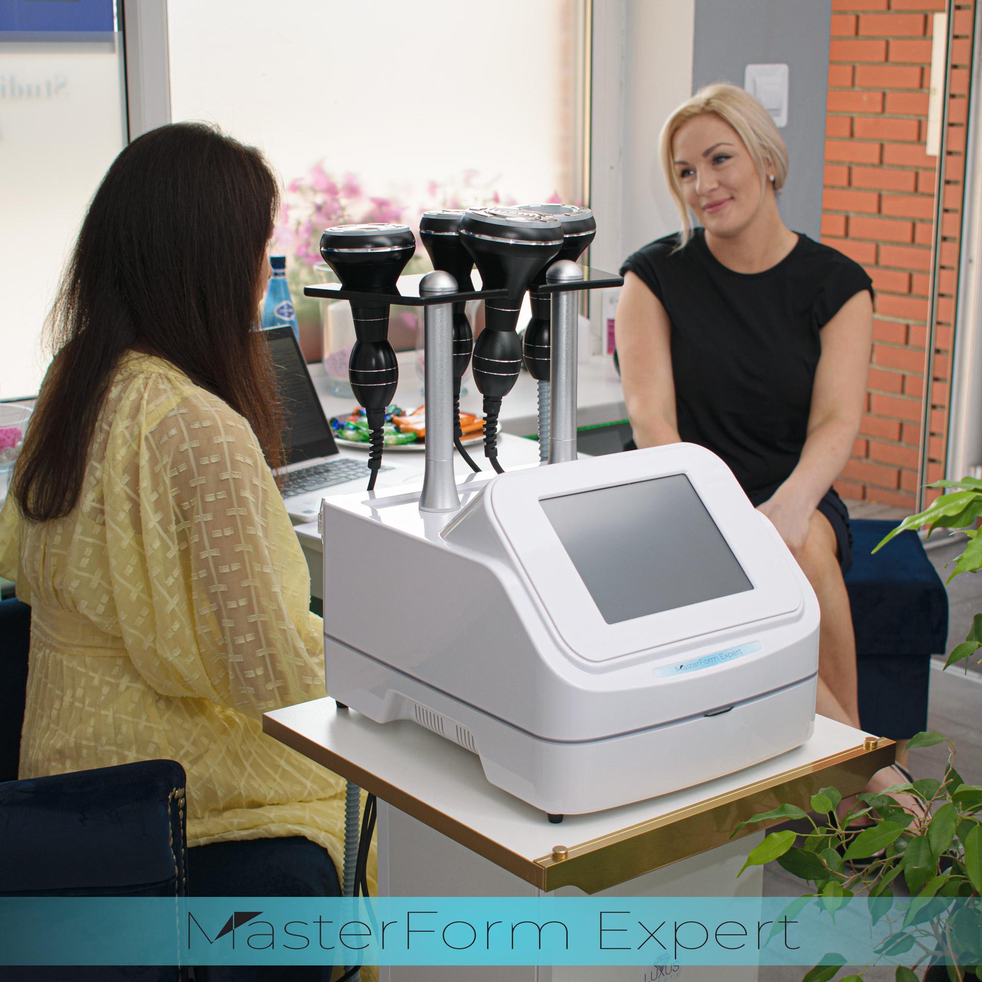 Kurs obejmuje wiedzę teorytyczną z dziedziny endermologii, fal radiowych, masażu próżniowego, liposukcji ultradźwiękowej i podczerwieni