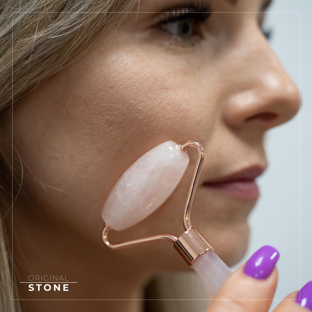 Aby zachować piękny wygląd kamienia należy co jakiś czas trzymać masażer w nasłonecznionym miejscu