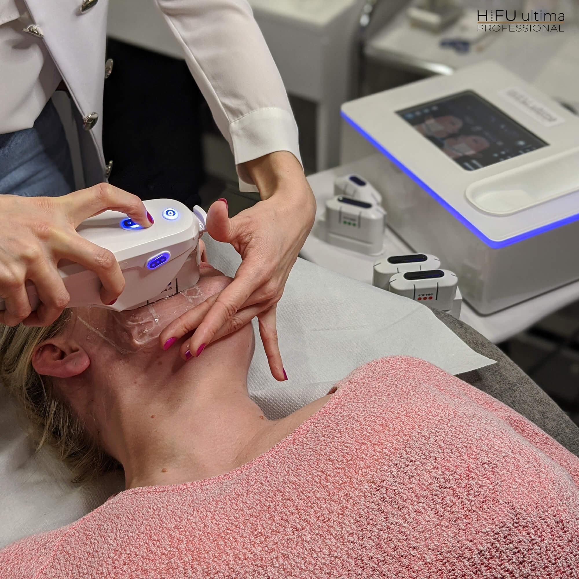 Kurs kosmetologiczny w Sokołach w Podlaskim - lifting twarzy ultradźwiękami